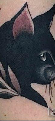 фото тату с черной кошкой для статьи про значение татуировки – tatufoto.ru – 22