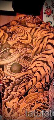 фото тату тигр и дракон для статьи про значение татуировки – tatufoto.ru – 3