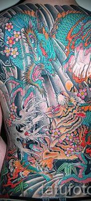 фото тату тигр и дракон для статьи про значение татуировки – tatufoto.ru – 10