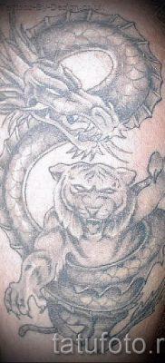 фото тату тигр и дракон для статьи про значение татуировки – tatufoto.ru – 29