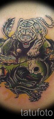 фото тату тигр и дракон для статьи про значение татуировки – tatufoto.ru – 31