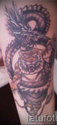 фото тату тигр и дракон для статьи про значение татуировки – tatufoto.ru – 45