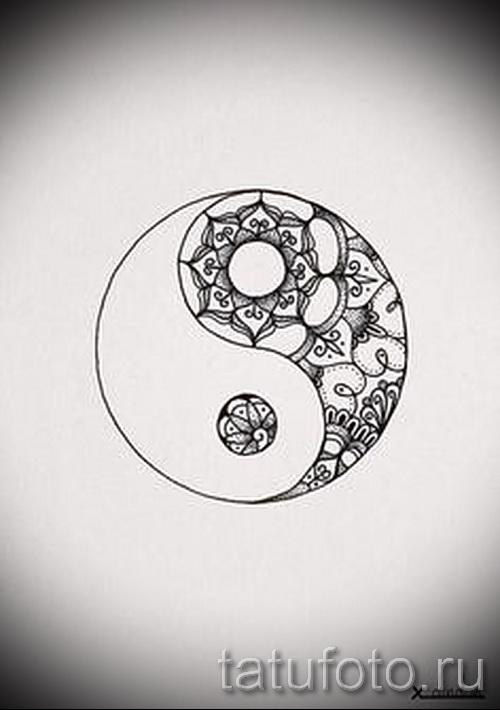 Крутой вариант рисунка наколки – символ Инь-Янь, который подойдет для классного эскиза тату инь-янь