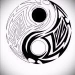 Достойный вариант рисунка татуировки – символ Инь-Янь, который подойдет для интересного эскиза татуировки инь-янь