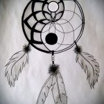 Крутой вариант рисунка татуировки – символ Инь-Янь, который подойдет для достойного эскиза тату инь-янь