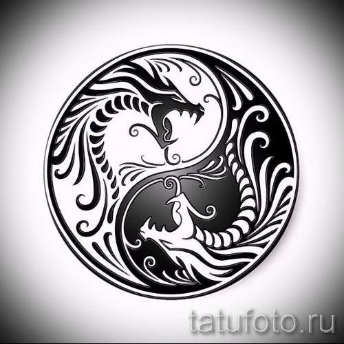Классный вариант рисунка тату – символ Инь-Янь, который подойдет для крутого эскиза тату инь-янь