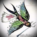 Классный рисунок ласточки - который хорошо подойдет как эскиз для крутой татуировки ласточка