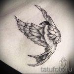 Красивый рисунок ласточки - который достойно подойдет как эскиз для крутой татуировки ласточка