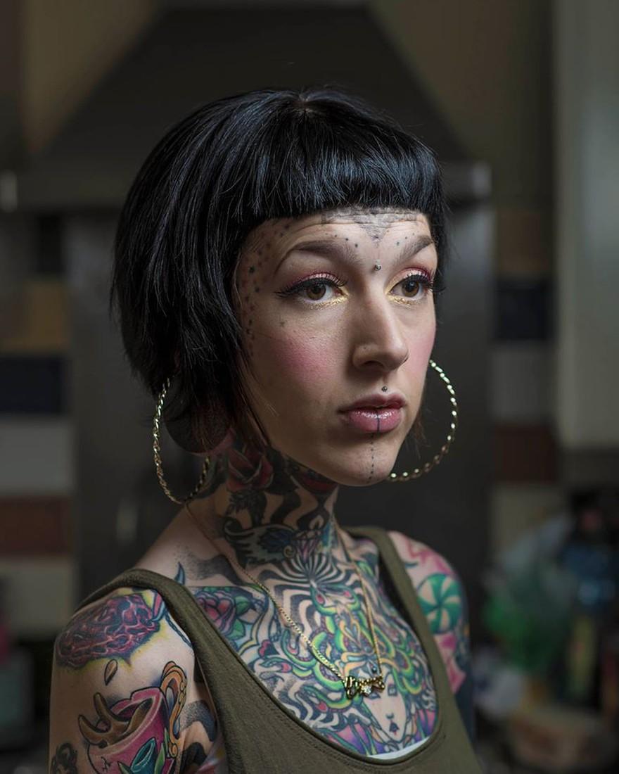 сколопендровых фото татуировок на лице такие