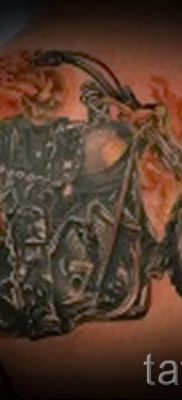 Фото пример татуировки байкеров для статьи про значение – tatufoto.ru – 111