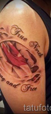Идея оригинального рисунка в уже нанесенной татуировке клен для публикации про толкование клена в татуировке