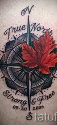 Идея достойного рисунка в готовой татуировке с кленом для публикации про значение клена в татуировке
