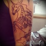Оригинальный пример готовой татуировки единорог – рисунок подойдет для тату единорог космос
