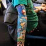 Оригинальный вариант нанесенной татуировки ежик – рисунок подойдет для тату ежик в тумане на руке