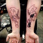 Оригинальный пример выполненной татуировки ежик – рисунок подойдет для тату ежик в очках