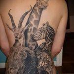 Интересный вариант готовой наколки жираф – рисунок подойдет для тату жираф на рукетату жираф на пальце
