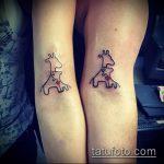 Классный вариант нанесенной татуировки жираф – рисунок подойдет для тату жираф геометрия