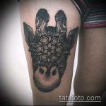 Крутой вариант нанесенной татуировки жираф – рисунок подойдет для тату жираф ёжик жираф