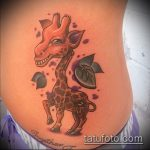 Оригинальный пример выполненной тату жираф – рисунок подойдет для тату жираф геометрия