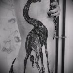 Прикольный пример готовой тату жираф – рисунок подойдет для тату жираф на спине