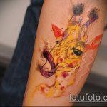 Интересный пример выполненной наколки жираф – рисунок подойдет для тату жираф на рукетату жираф на пальце
