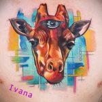 Классный пример существующей тату жираф – рисунок подойдет для тату жираф ёжик жираф