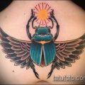 Интересный вариант нанесенной наколки жук – рисунок подойдет для тату жука скарабея