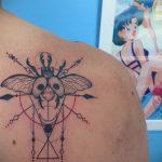 Крутой пример существующей тату жук – рисунок подойдет для тату жук олень