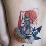 Крутой пример выполненной наколки жук – рисунок подойдет для татуировка жук на руке