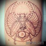 Уникальный вариант нанесенной тату жук – рисунок подойдет для тату жук на плече