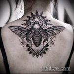 Оригинальный пример существующей татуировки жук – рисунок подойдет для тату жука скарабей