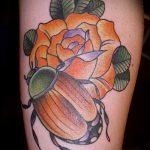 Прикольный вариант нанесенной татуировки жук – рисунок подойдет для тату жук скарабей