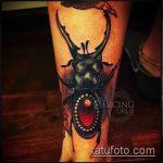 Зачетный пример нанесенной тату жук – рисунок подойдет для татуировка жук на руке