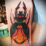 Интересный вариант готовой татуировки жук – рисунок подойдет для тату жука на ноге