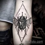 Крутой вариант нанесенной тату жук – рисунок подойдет для тату жук скарабей