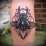Оригинальный пример существующей татуировки жук – рисунок подойдет для тату жука на запястье