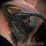 Уникальный вариант выполненной тату жук – рисунок подойдет для тату жук на ноге