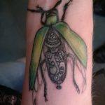 Уникальный пример существующей тату жук – рисунок подойдет для тату жука скарабей