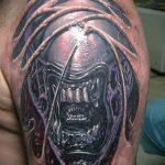 Интересный вариант нанесенной татуировки жук – рисунок подойдет для тату жук носорог