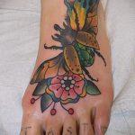 Оригинальный пример выполненной татуировки жук – рисунок подойдет для тату жук биомеханика