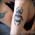 Прикольный пример существующей татуировки жук – рисунок подойдет для тату майский жук