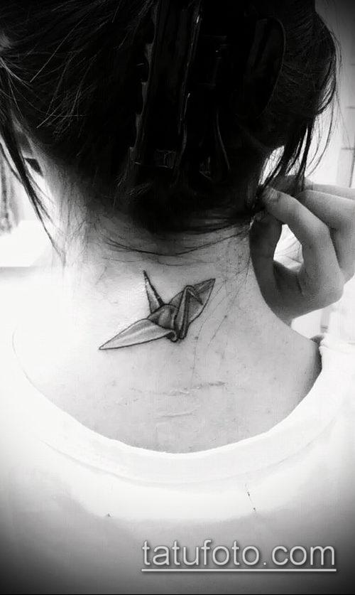 Зачетный вариант выполненной татуировки журавль – рисунок подойдет для тату аист или журавль