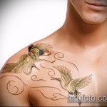 Крутой пример нанесенной тату журавль – рисунок подойдет для тату журавлик оригами