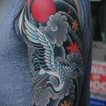 Зачетный вариант нанесенной татуировки журавль – рисунок подойдет для тату бумажный журавлик