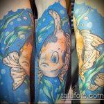 Зачетный пример нанесенной тату золотая рыбка – рисунок подойдет для тату золотая рыбка в короне
