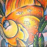 Зачетный пример нанесенной тату золотая рыбка – рисунок подойдет для тату золотая рыбка на запястье
