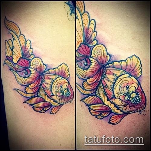 Классный вариант готовой наколки золотая рыбка – рисунок подойдет для тату золотая рыбка на боку