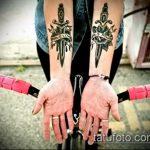 Интересный пример существующей тату кинжал и роза – рисунок подойдет для тату кинжал и роза и череп