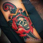 Крутой вариант существующей тату кинжал и роза – рисунок подойдет для тату кинжал и роза алая