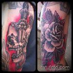 Интересный пример нанесенной тату кинжал и роза – рисунок подойдет для тату кинжал и роза и череп